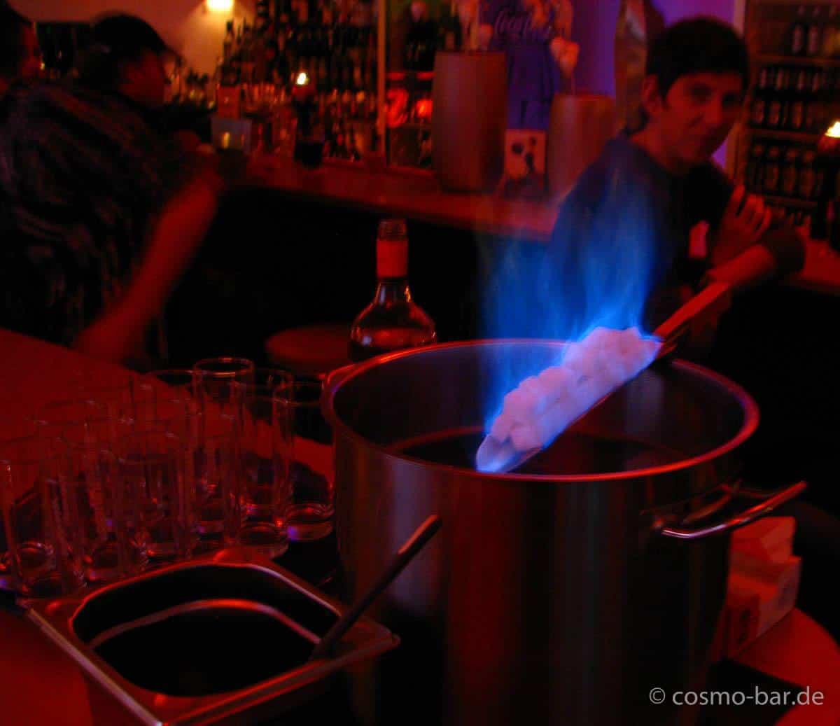 Cosmo Bar | Feuerzangenbowle